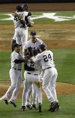 the Yankees celebrate the pennant (AP Photo/Peter Morgan)