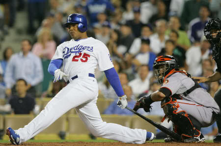 andruw-jones-dodgers-1.jpg