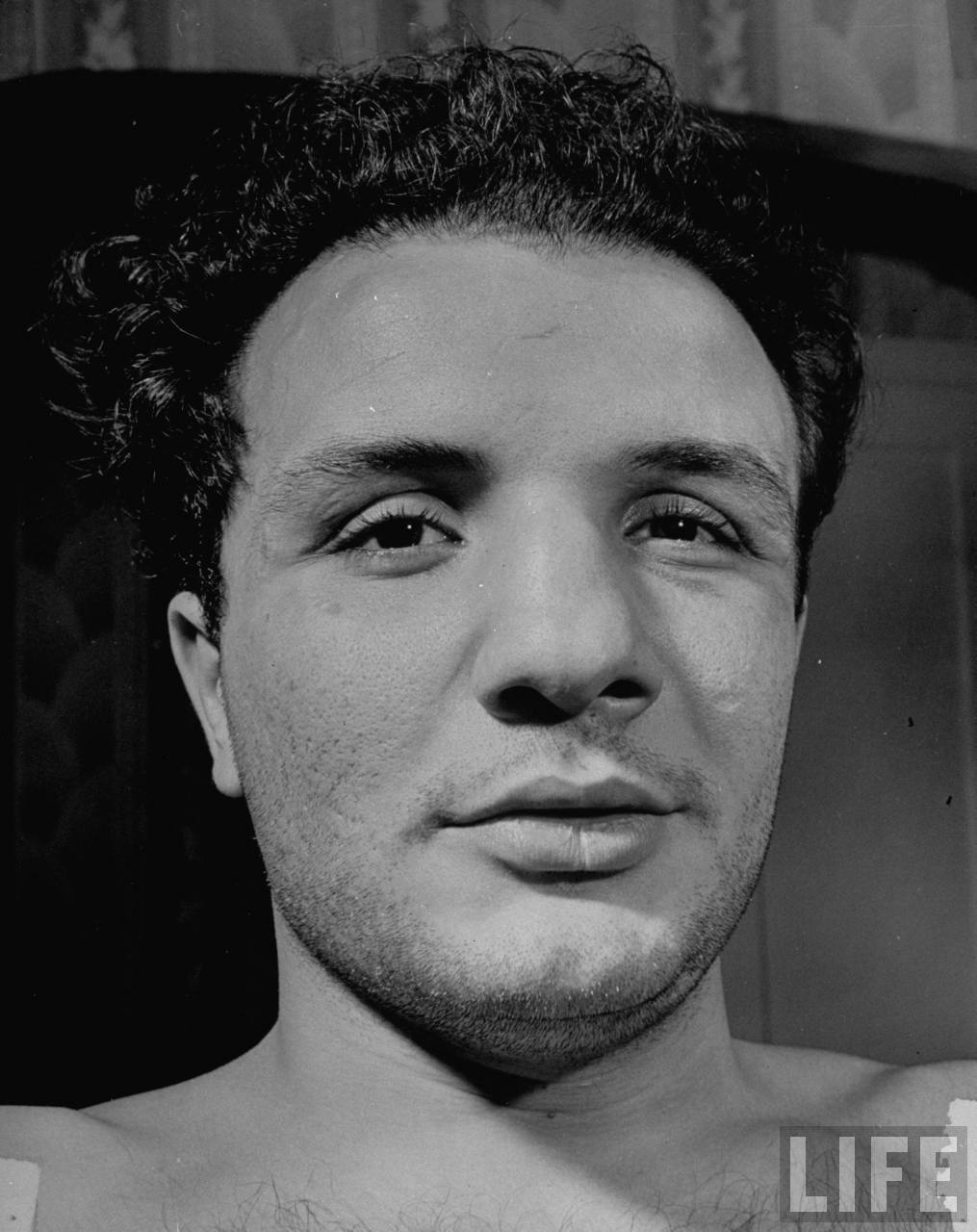 All lives are failures in some degree or another. Somewhere along the line we fudge the pristine youthful dream. Even when we achieve, the compromises we've ... - jake-lamotta1