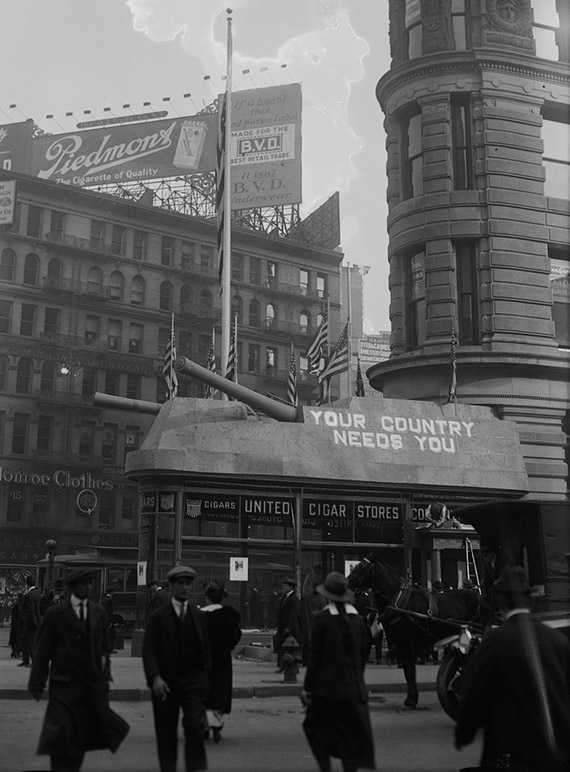 1917-Navy-Recruiting-at-Flatiron-Building