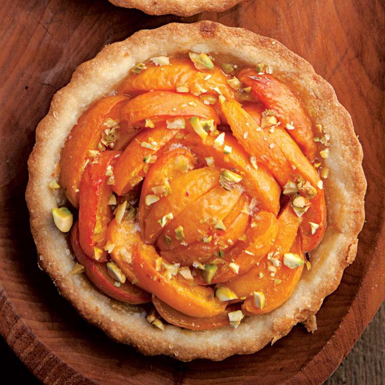 7-SAV152-recipe-ApricotTarts-750x750