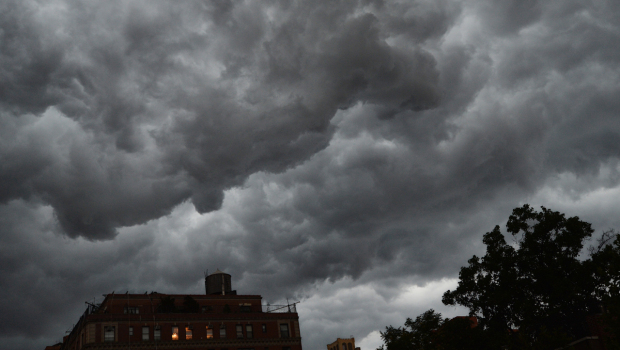 storm_clouds_manhattan_149312866_620x350