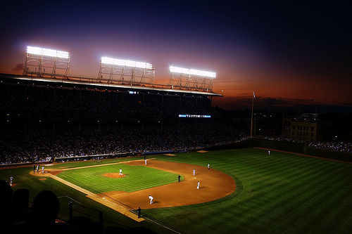 wrigley_field_night_game