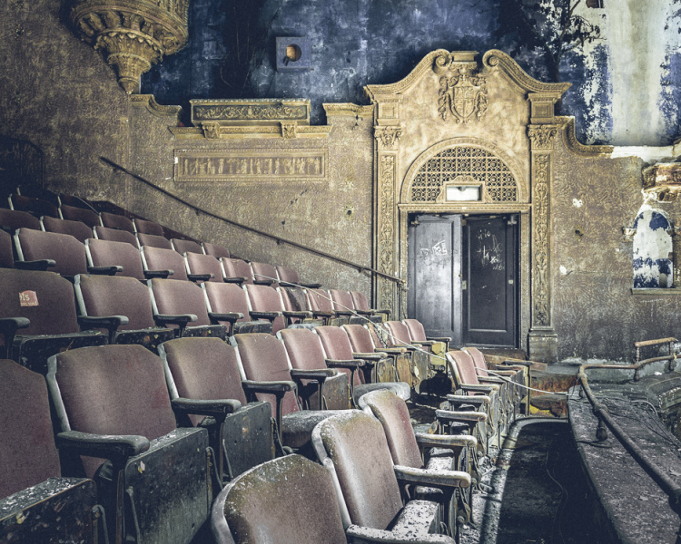 abandonednyc_abandonend_movie_theater_brooklyn_will-ellis-6-of-9