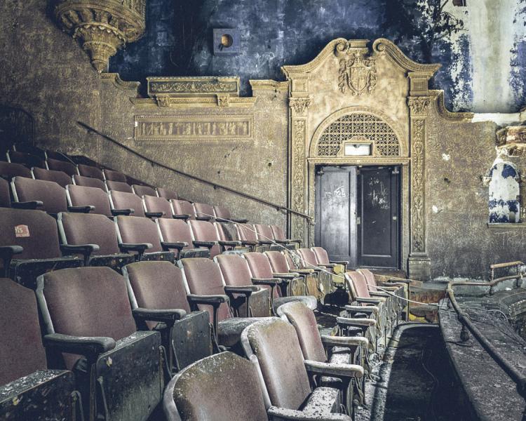 abandonednyc_abandonend_movie_theater_brooklyn_will-ellis-6-of-9