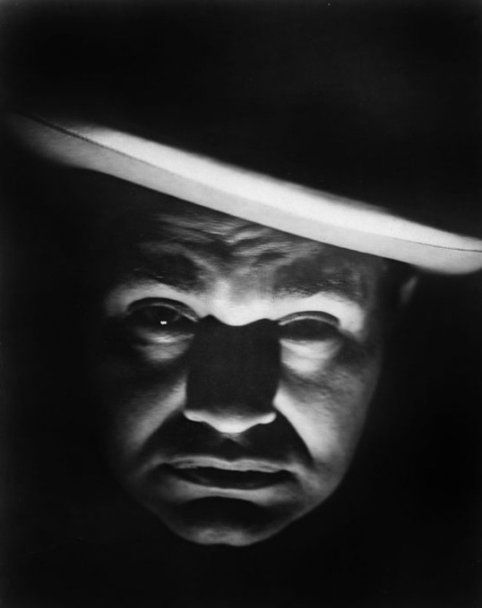Smart Money (1931) Directed by Alfred E. Green Shown: Edward G. Robinson