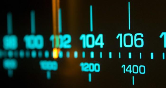 radio-dial_00273392-750x400